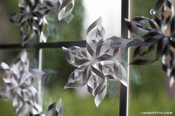 3 D Paper Snowflakes Best Of Making 3 D Paper Snowflakes