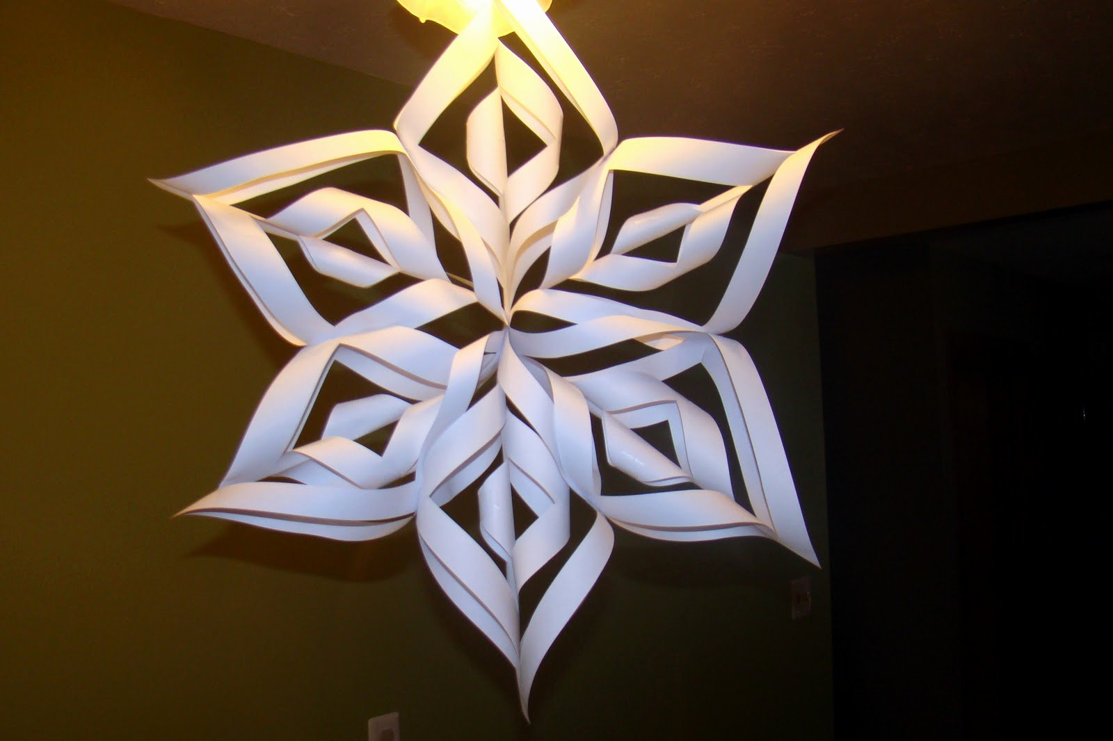 3 D Paper Snowflakes Fresh Sitting at Our Kitchen Table 3d Paper Snowflake
