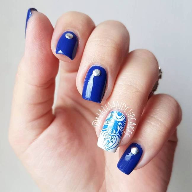 Blue Nail Polish Designs Inspirational Experience the Glamorous Style Of Royal Blue Nail Designs