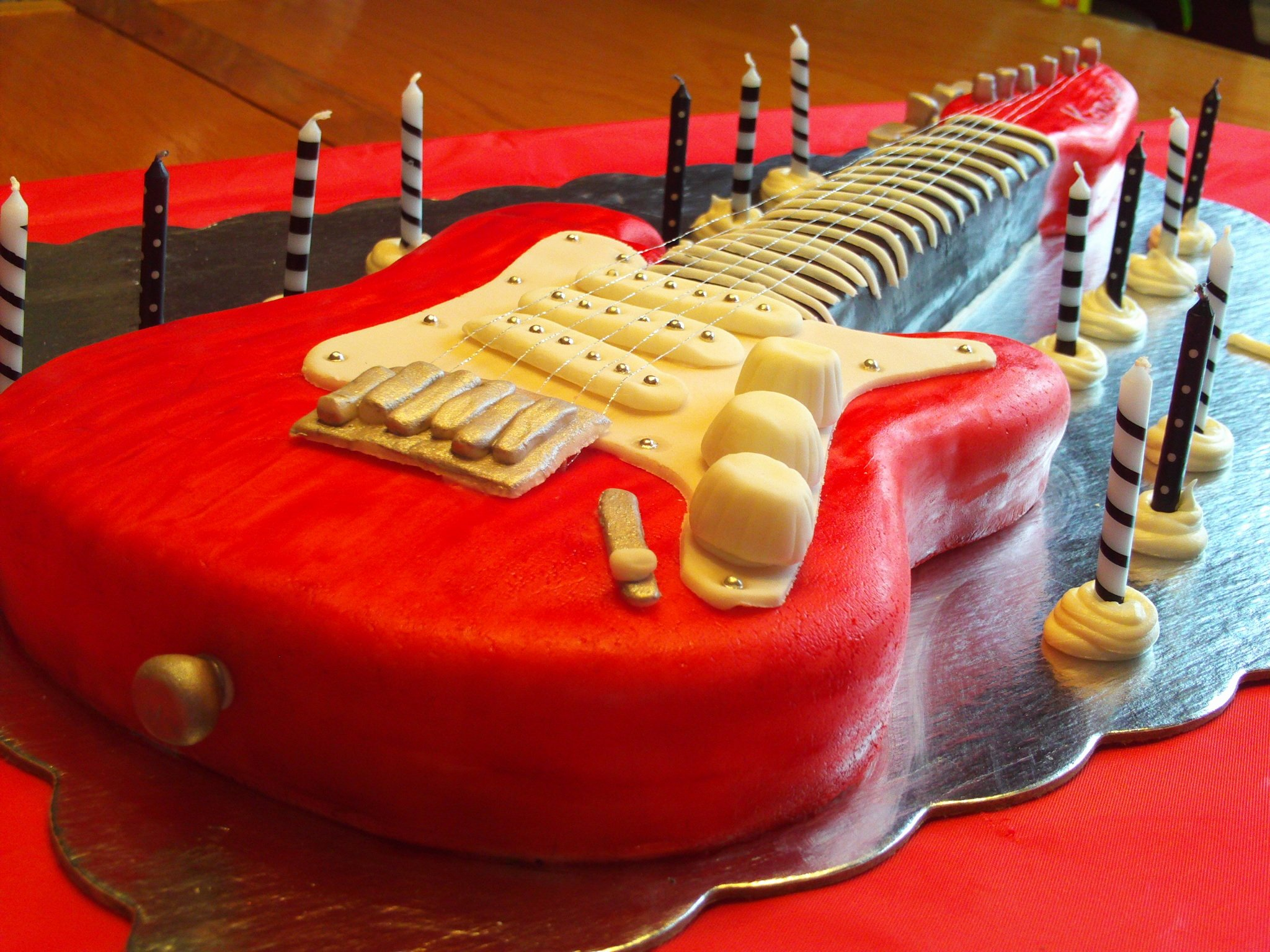 Electric Guitar Birthday Cake Elegant Electric Guitar Cake