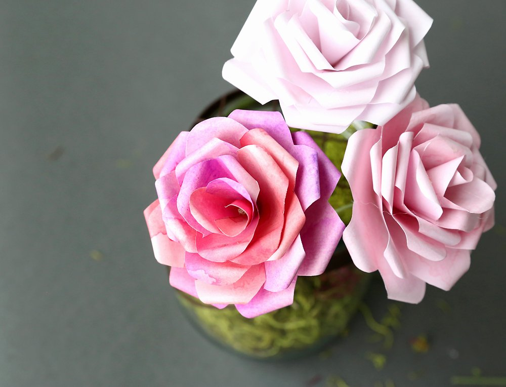 Free Printable Newspaper Template Awesome Make Gorgeous Paper Roses with This Free Paper Rose
