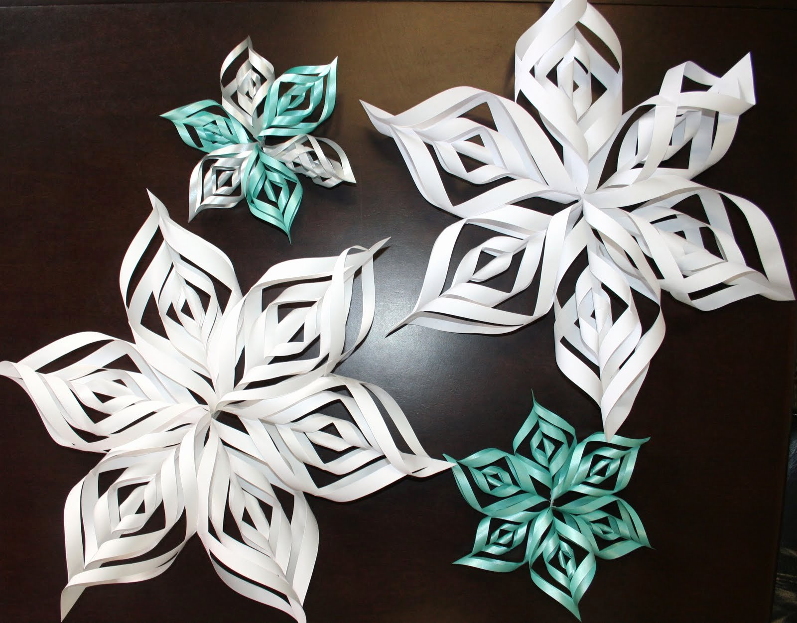 How to Make 3d Snowflakes New How to Make A 3d Snowflake