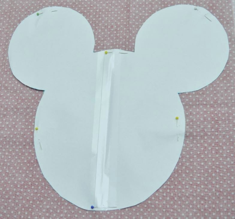 Mickey Mouse Pattern Cut Out Lovely How to Sew A Mickey Mouse Pillow How2db