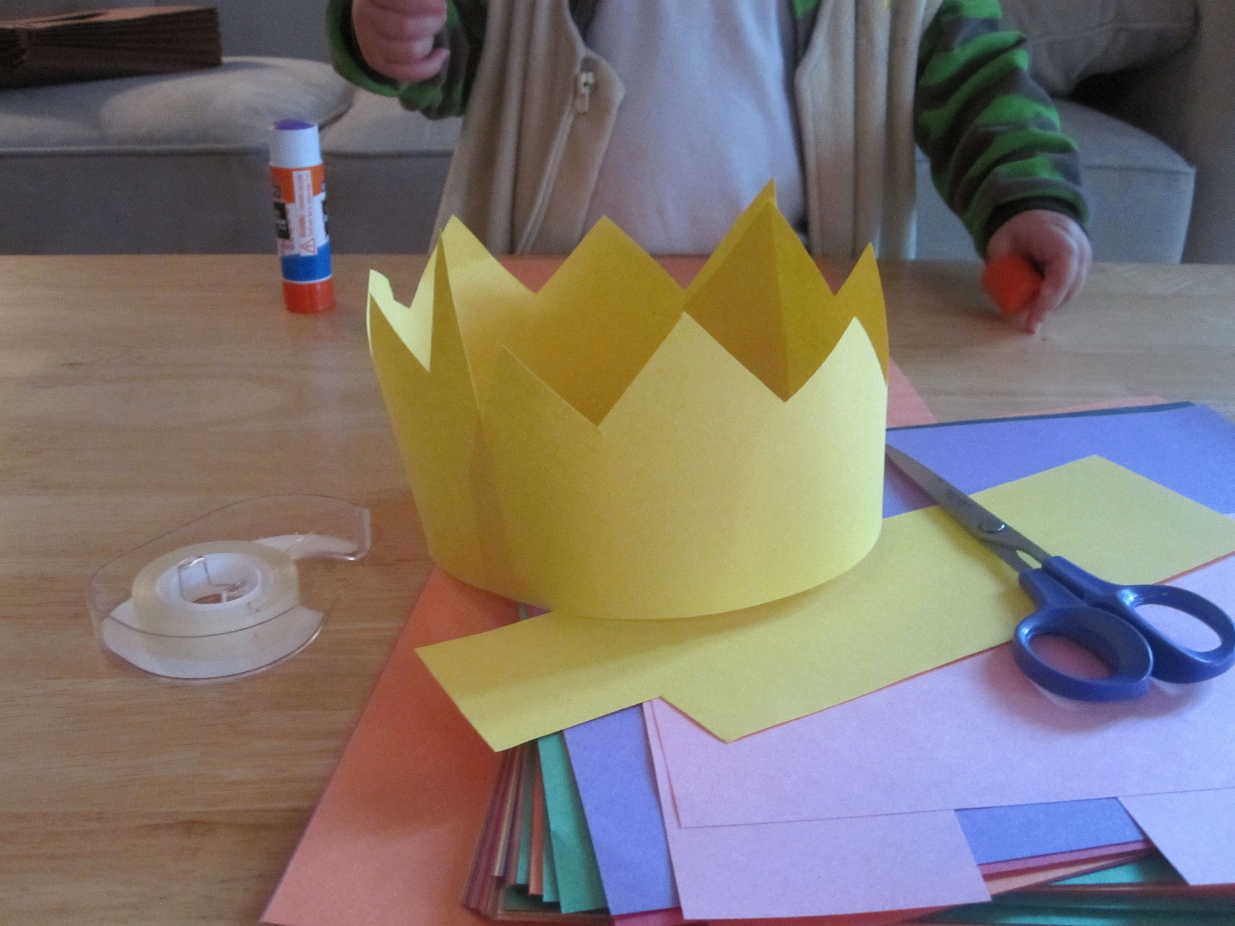 Paper Crown Cut Outs Inspirational Construction Paper Crowns I Would some Jewels to Put