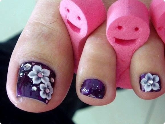 Toe Nail Art Flower Luxury Purple and White Flowers Nail Designs